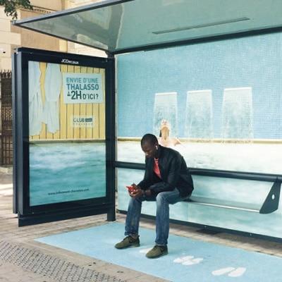 Campagne d'affichage et habillage d'arrêt de bus pour les thalassos de Charente Tourisme